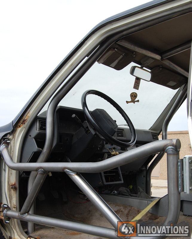 84 Toyota Pickup For Sale: 1988 Toyota Regular Cab Pickup Internal Roll Cage